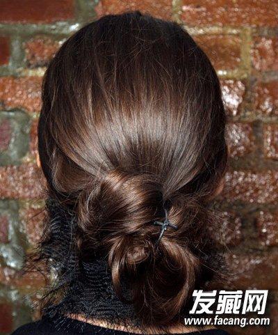 女生盘发发型步骤 手把手教你如何盘发 →韩式麻花辫盘发步骤 唯美