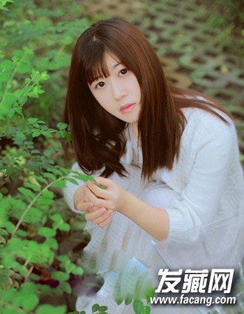 女生夏日清爽发型推荐 无刘海的丸子头发型(2)
