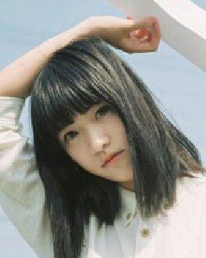 直发or卷发哪款美 鹅蛋脸女生发型设计