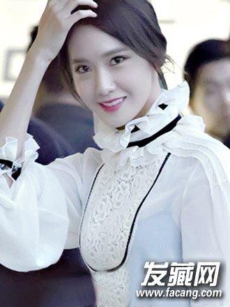 方脸怎么扎头发好看 韩式中分的长刘海发型(7)
