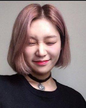 大饼脸适合什么发型 韩式短发好显瘦