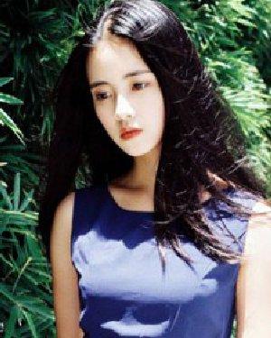 小脸女生适合的发型图片 气质的韩式中长发发型