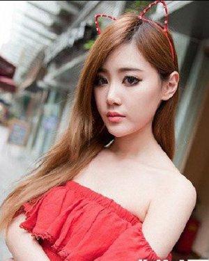柔顺的长发直发恬静淑女 美女示范9款显瘦长发
