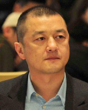 有一种发型叫王菲前任 43岁李亚鹏发量稀疏
