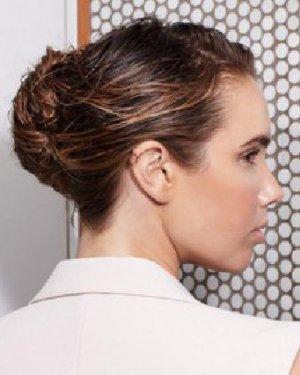 法式优雅盘发发型设计 学清爽盘发美美出门