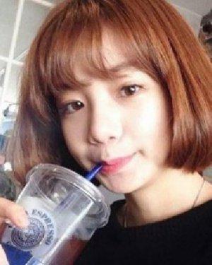女生学生头短发图片 清新甜美的空气刘海发型