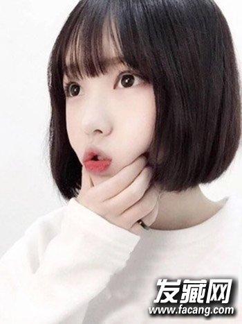 > 女生学生头短发图片 清新甜美的空气刘海发型(8)  导读:韩版学生头