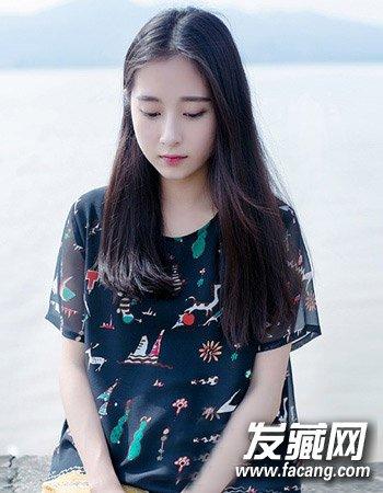 韩国中分发型(9)  导读:韩国中分发型9: 清新飘逸的长 直发 造型设计图片