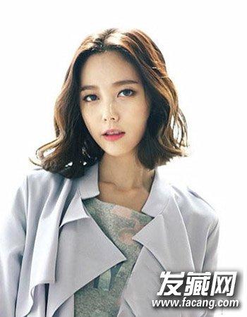 魅力韩式中分发型图片 让中分拯救平凡的你(6)图片