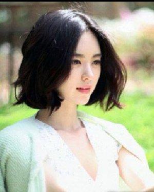 2015流行女生短发 清爽韩式中分短发发型