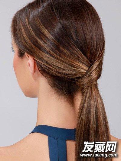 发型网 发型设计 直发发型 > 别再迷恋lob头 直发马尾辫早已占领时尚