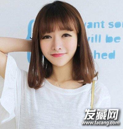 适合脸型:鹅蛋脸,瓜子脸 这款造型非常适合在校的妹子哦,齐齐的刘海图片