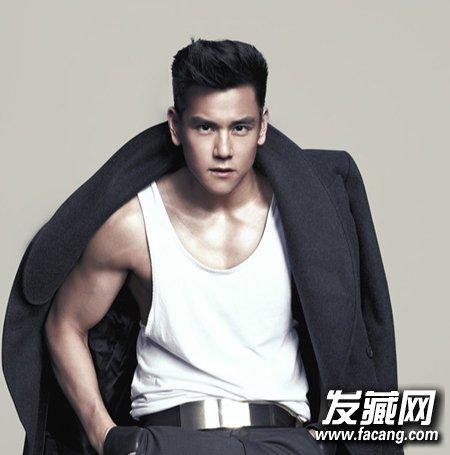 三七分的刘海魅力十足 彭于晏示范时尚男士发型(5)图片