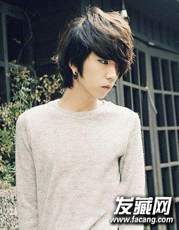男生好看烫发发型图片 8款帅气逼人(7)