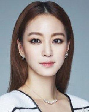 朴秀珍蓬松慵懒感短BOB头 韩国6大美女示范小脸发型