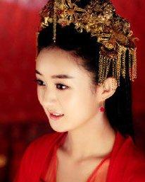无刘海修饰的新娘发型 小花旦古装新娘发型pk图片