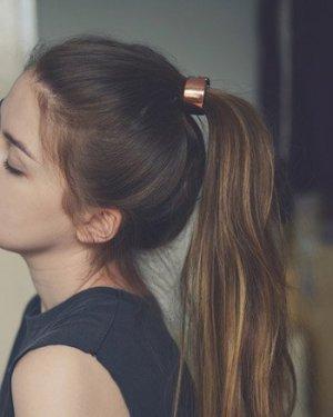 最简单的马尾辫发型 10款百搭发型包你爱上它