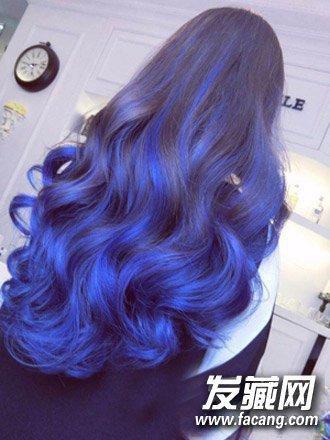 荷花纹身蓝色