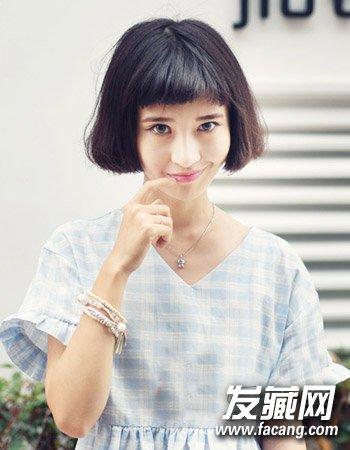 导读:什么发型显脸小4 甜美的中 短发发型 的设计,不仅时尚而且可爱