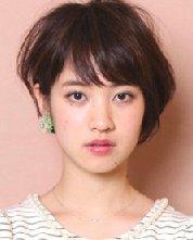 圆脸适合的短发发型 耳上部分头发烫卷蓬松