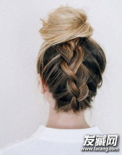 夏天快速盘头发的方法 发型非常简单(3)