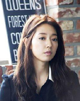 韩国90后女星发型PK 可爱的丸子头对比