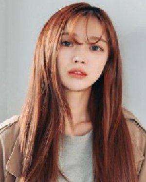 韩国的空气刘海直发发型 换好看发型才是正经事