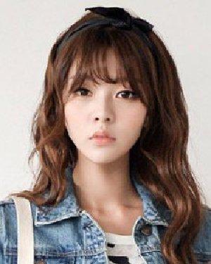 韩版刘海发型中长发发型 刘海 中长发流行