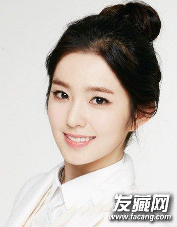 女大学生流行发型推荐 甜美的平刘海与齐肩短发(3)图片