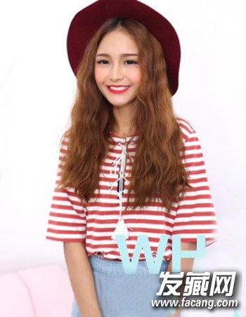 韩国女生中分发型 浅栗色的染发颜色 4图片