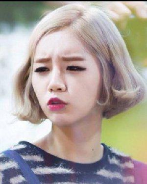 日韩流行短发烫发图片 减龄瘦脸so easy