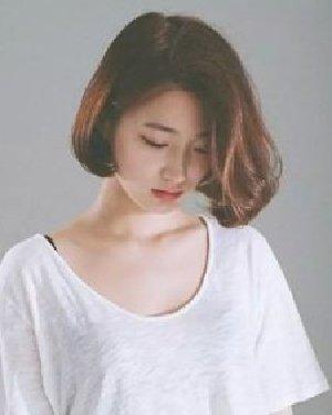 最具女人味发型 短发BOB头卷发才是王道