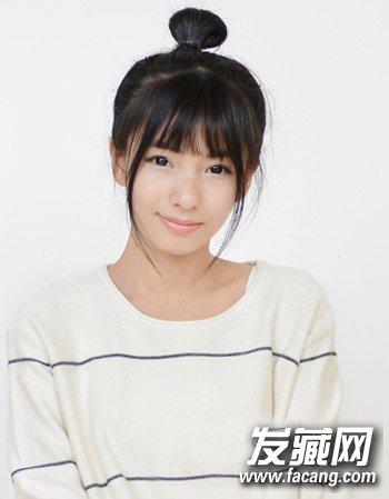 女大学生超萌发型图片 中短发形式烫发添青春活力感(4)