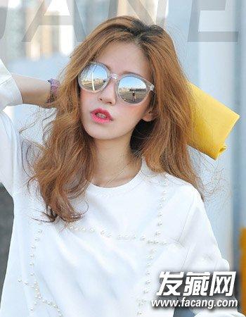 发型网 流行发型 韩式发型 > 柔顺的中短发发型 最新流行韩国女生发型