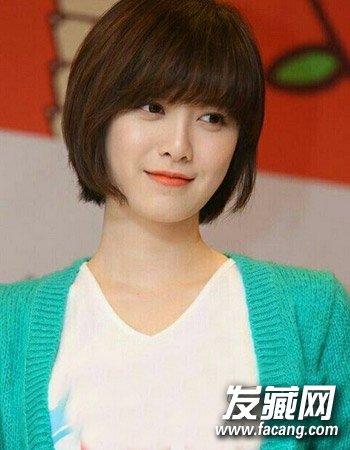韩国潮流短发型九   清新感展现出来。当然更加分,所以一款时尚的知性短发打理起来,不仅有淑女气质而且也颇显清爽自然,当然也不显俗气。