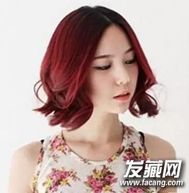 酒红色短发图片