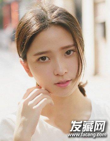 圆脸适合的发型图片 气质的中分公主半扎发发型(6)