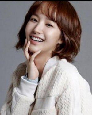 <b>韩式减龄短发发型图片 30+女人发型首选</b>