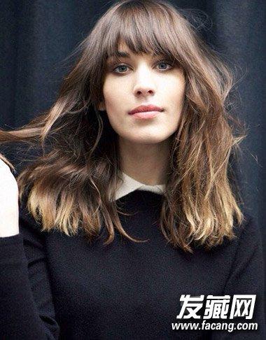 女生头发少适合什么发型(4)  导读:刘海一定要剪厚重些,毕竟对于头发