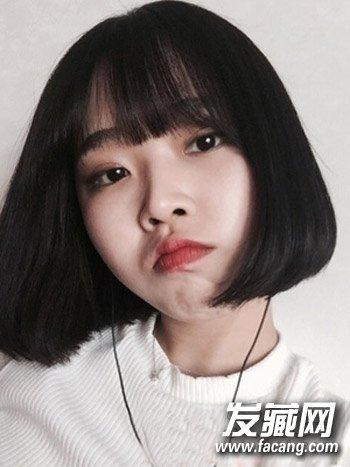 女生短发发型       韩式中短 卷发发型也是一款很减龄的可爱 女生