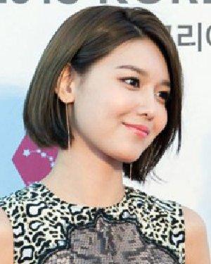 2015年发型流行趋势 适合淑女系MM短发发型