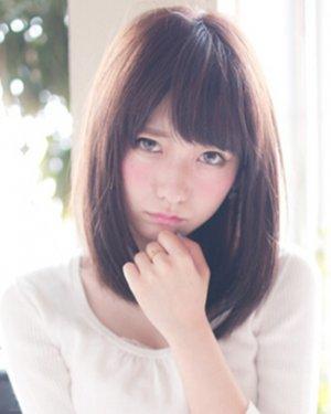 胖圆脸美眉适合的发型,五款中长发最显瘦