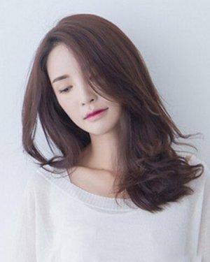 2015最新韩式中长发发型,时尚造型减龄修颜