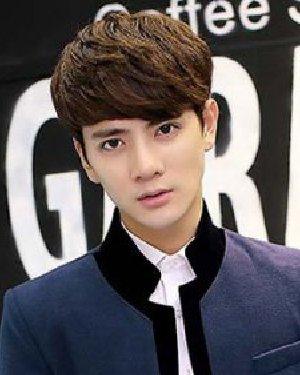 2015韩国男生最新发型 最新韩国男生短发发型