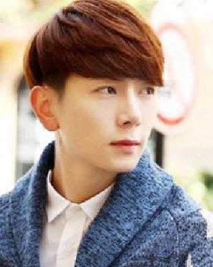 男生冬季短发发型设计 帅气的斜庞克发型的设计