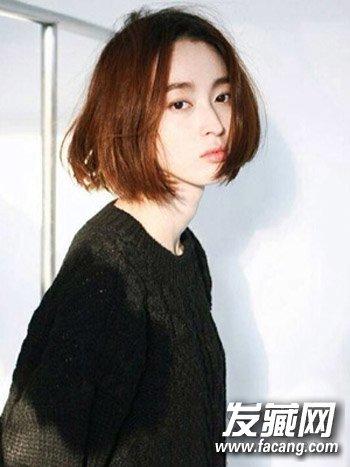 韩式中分短发发型,很适合各位圆脸女生们尝试