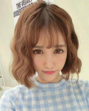 韩式空气感发型设计 侧分空气刘海卷发发型图片