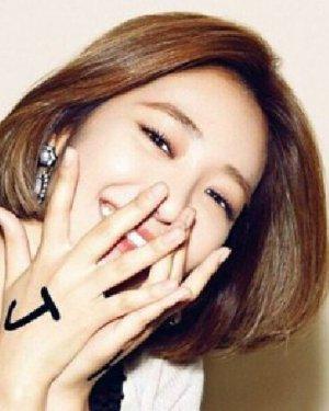 圆脸适合什么短发 韩式侧分中短发发型