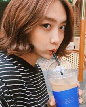 短发微卷才好看 最新韩式中短发发型图片