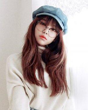 秋季流行发型图片 空气刘海与时尚中长发烫发图片